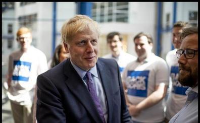 Boris Johnson sobrelleva la resaca tras la bronca con su pareja