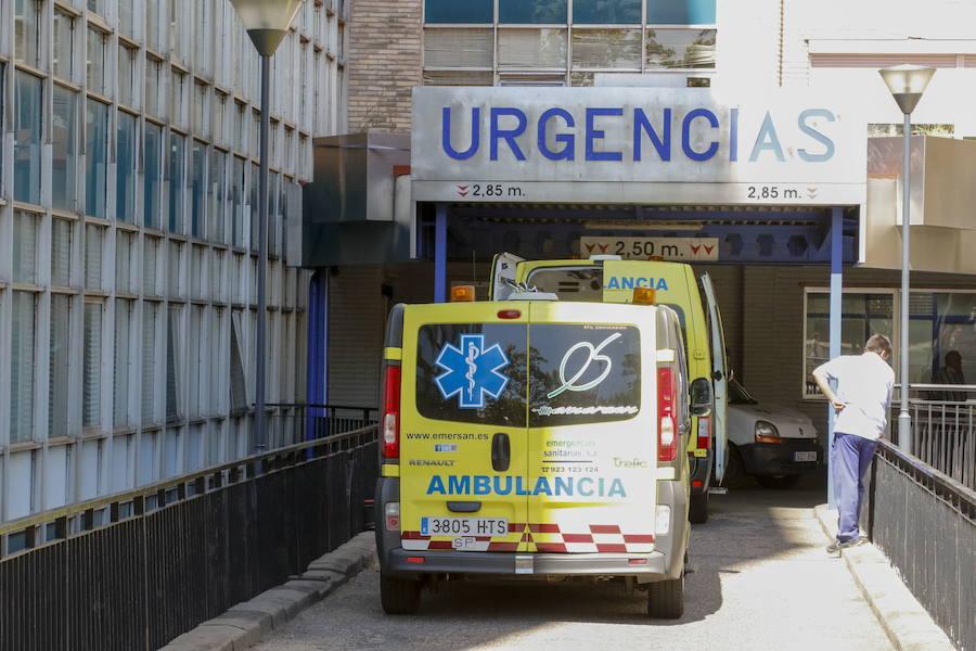 Rescatado un joven de 25 años herido tras resbalar entre las rocas del cauce del río Águeda en Puerto Seguro