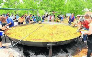 5.000 raciones de solidaridad en forma de una gran paella en Cabrerizos
