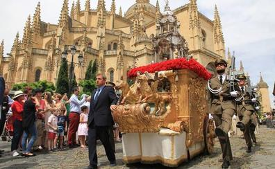 La Procesión del Corpus realza y alarga el desfile tradicional con 600 participantes