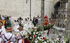 Palencia luce con la procesión del Corpus Christi