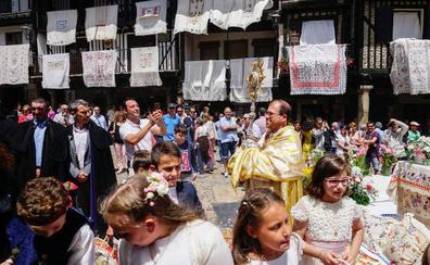 La Casa Consistorial y el teatro de La Alberca se pulen por primera vez por el Corpus