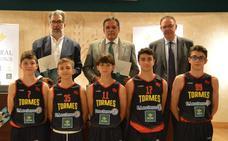 Caja Rural de Salamanca renueva un año más con el CB Tormes su apuesta por el deporte local