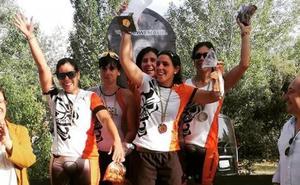 El Triatlón Salamanca femenino, campeón regional por equipos y el Salmántica Triatlón masculino, subcampeón