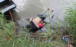 La terrible imagen de un padre y su bebé ahogados cuando intentaban llegar a Estados Unidos