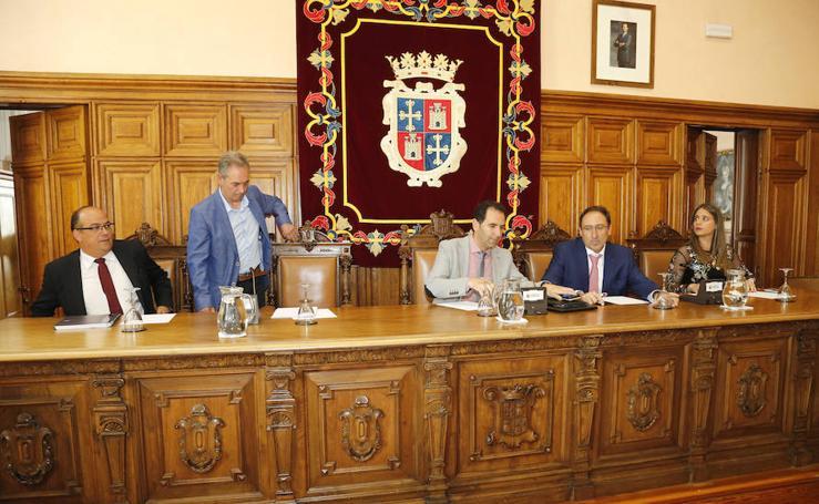 Primer pleno del ayuntamiento de Palencia