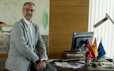 Luis Fuentes: «Imagino que habrá cauces entre Mañueco e Igea como para no necesitar mediadores»