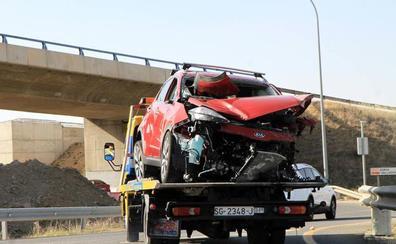 Cortada al tráfico la CL-601 en Palazuelos tras una colisión con cuatro heridos leves, tres de ellos menores