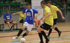 Goles y mucho fútbol sala para fomentar el deporte inclusivo