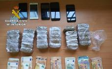 Detenidas cuatro personas por tráfico de drogas en una vía de acceso a Salamanca