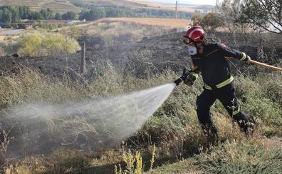 Controlado un incendio en Fresneda de Sepúlveda que afectó a una vivienda vacía y una nave
