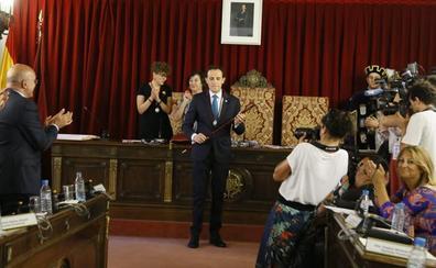 Conrado Íscar releva a Jesús Julio Carnero al frente de la Diputación de Valladolid