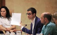 La pérdida de competencias del Pleno genera la primera bronca de la legislatura