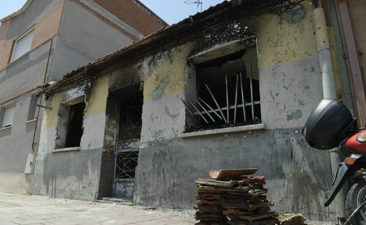 Incendio en una vivienda de la calle de los Monegros, en el barrio España de Valladolid