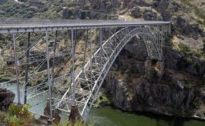 El puente que cuestionó a Eiffel