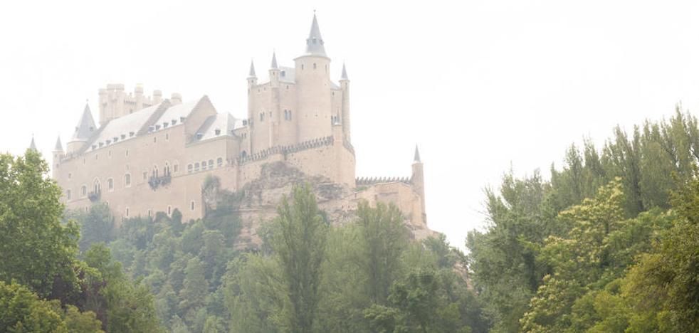 ¿De dónde viene esa neblina y el olor a quemado en Segovia?