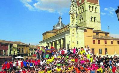 Una foto de familia de las peñas pone el broche de oro a los festejos de Villalón de Campos