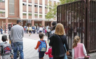 Los colegios e institutos registraron este curso una caída de más de 300 alumnos