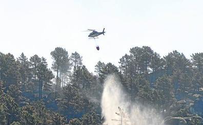 Vecinos de Pedro Bernardo acusan a la Junta de restarles medios para apagar otros fuegos