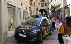 Detenido en Salamanca por vender 'papelinas' de cocaína que repartía desde el coche