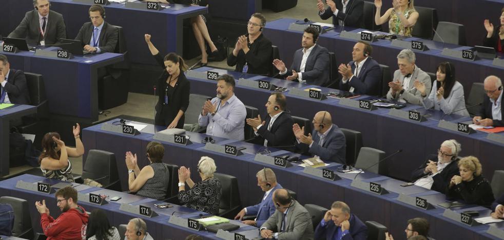 Lío de pasillos pero consenso en la Eurocámara