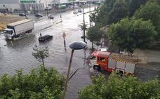 Una tromba de agua anega Burgos