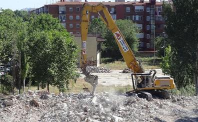 La Guardia Civil investiga la legalidad del traslado de residuos del IES Santa Teresa de Valladolid