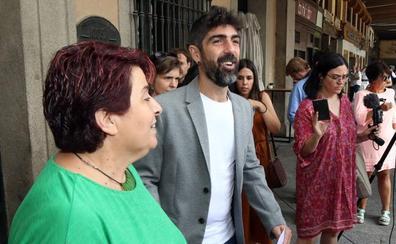 Podemos-Equo y PSOE pactan 24 medidas «realizables» para facilitar la Alcaldía de Clara Luquero en Segovia