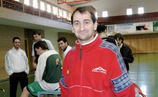 Jesús Gutiérrez, técnico de Aquimisa Carbajosa: «Los equipos que juegan fases de ascenso son los que tienen un ritmo superior»