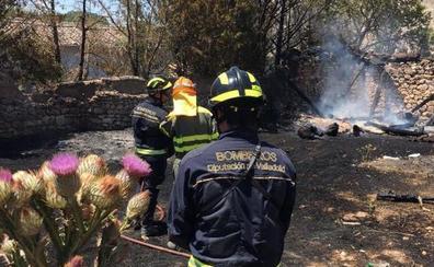 Los Bomberos de la Diputación de Valladolid sofocan un incendio en Olivares de Duero