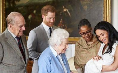 Los duques de Sussex bautizan a Archie rodeados de familia y pocos amigos
