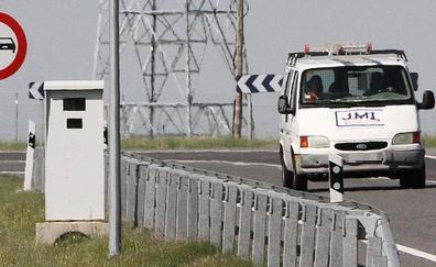La DGT instala un nuevo radar fijo en la N-110 en el cruce con la AP-61, en una de las salidas de la ciudad