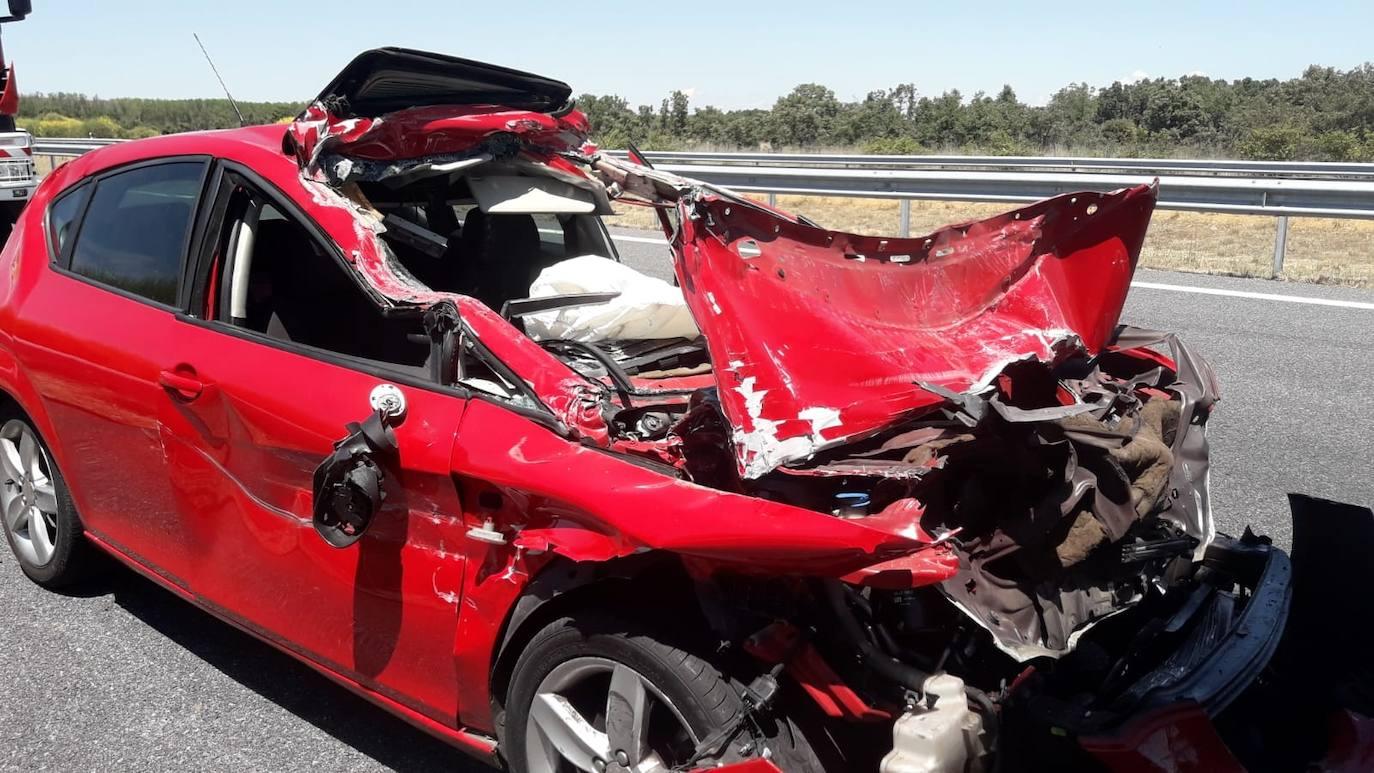 Un accidente por alcance entre un turismo y un camión se salda con cuatro trasladados al Hospital de Palencia