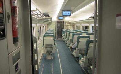 Sorprendidos en León dos menores que viajaban sin billete escondidos en el baño del tren
