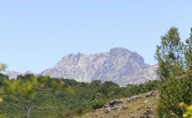 Rescatada una mujer en el pico Curavacas