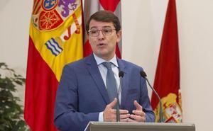 Mañueco se somete hoy a la votación de las Cortes para relevar a Herrera