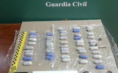 La detenida en Dueñas portaba 52 'bellotas' de hachís enfajadas en su cintura