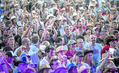 12.000 personas bailan a ritmo de country en Riaza