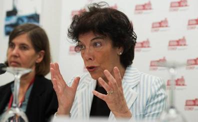 Celaá descarta una EBAU única en España porque «invadiría competencias autonómicas»