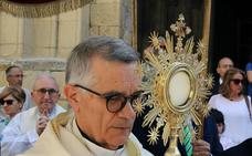 El obispo de Segovia, hospitalizado en Madrid por problemas en la vesícula
