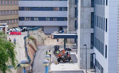 El PSOE exigirá al nuevo consejero que explique el enésimo retraso en las obras del hospital