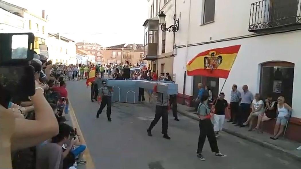 Polémica en un concurso de disfraces de Osorno en el que se premió a una comparsa de Franco en el Valle de los Caídos