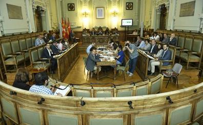 El primer Pleno ordinario escenifica el fin de la confrontación más brusca en Valladolid