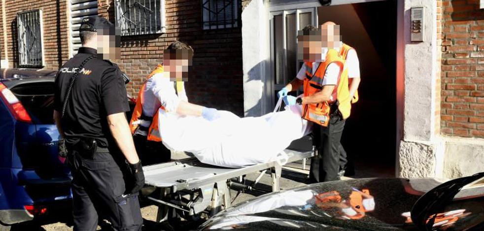 Hallan a un anciano que llevaba más de una semana muerto y rodeado de basura en Valladolid