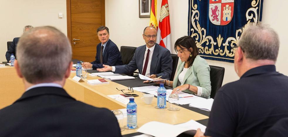 Doce parlamentos asignan menos dinero a los grupos políticos por escaño que el de Castilla y León