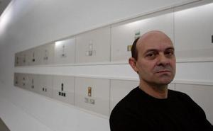 Fernando Sinaga: «Los procesos creativos alejados del realismo siempre son más complejos»
