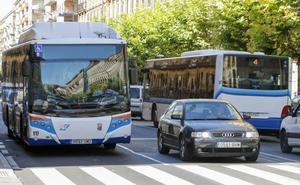 El Ayuntamiento creará un nuevo grupo de trabajo para estudiar la reordenación de las líneas de autobús