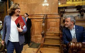 Los comunes y el PSC se reparten el poder en Barcelona a partes iguales