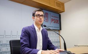 El PSOE insta al Gobierno bipartito a crear una Mesa de Empleo para la ciudad