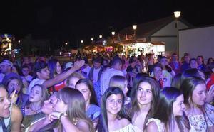 Blas Cantó, La Desbandada y Los Chunguitos, en las fiestas de Campillo